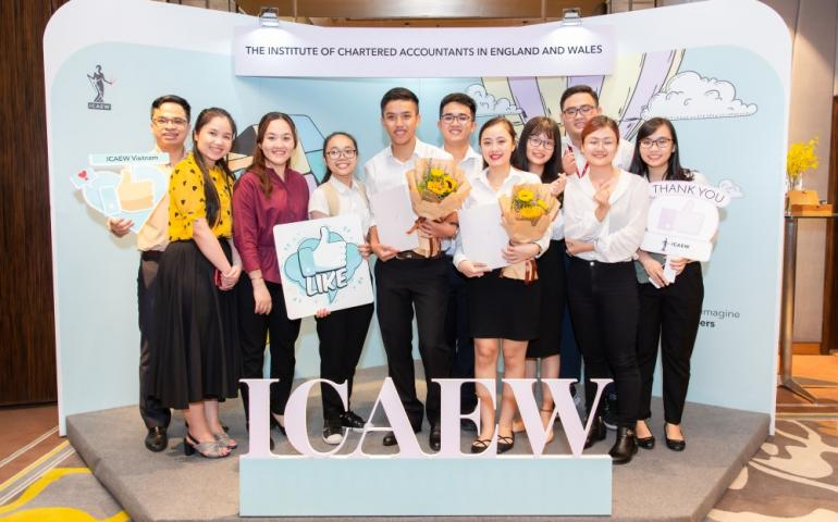 Accounting students attending the 2019 ICAEW Graduation Ceremony